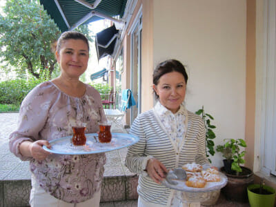 Leyla and Gülben Resuloğlu, photo by Ansel Mullins