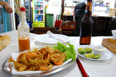 Fried shrimp at the Mercado São Pedro, photo by Catherine Osborn