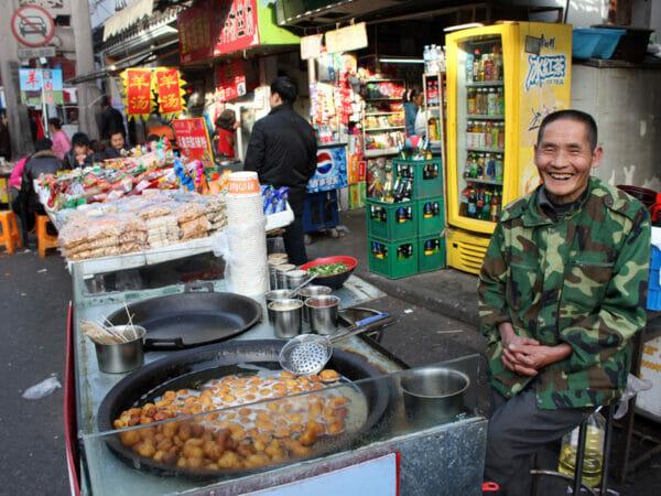 Deep-fried new potatoes vendor, Fangbang Lu, photo by UnTour Shanghai
